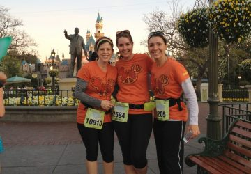 disneyland half marathon all women tinkerbell mom blogger los angeles