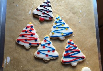 Frosted Gluten-Free Christmas Tree Cookies (photo by Yvonne Condes)