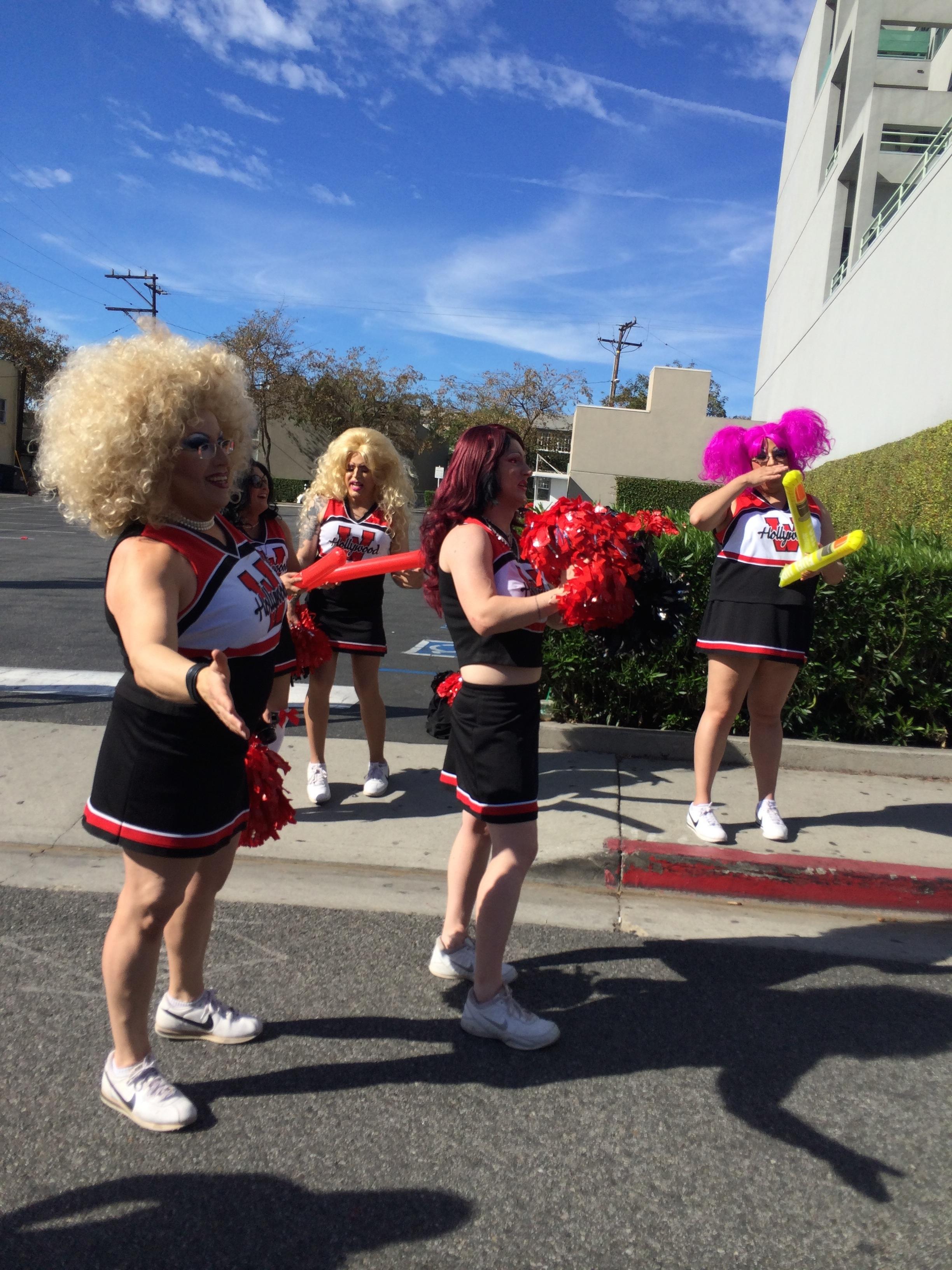 LA-Marathon-West-Hollywood-Cheerleaders