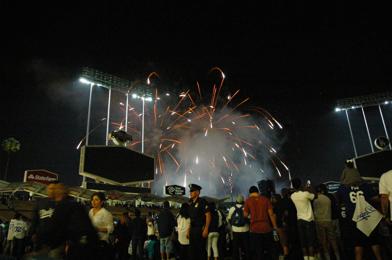 Los-Angeles-Dodgers-Friday-Night-Fireworks