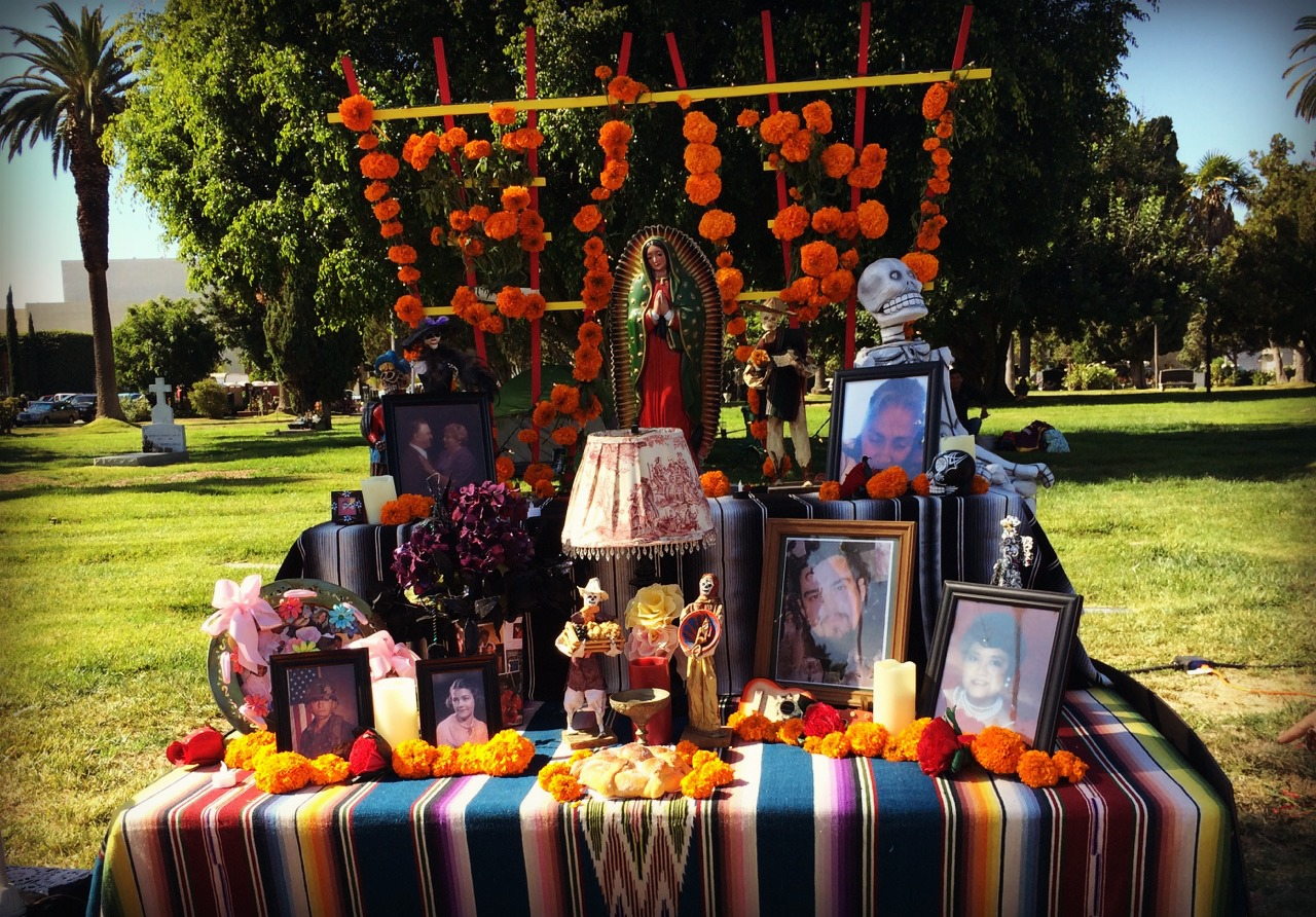Altar_Hollywood_Forever_Cemetery